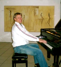 The great Dane Peter Schmeichel visiting Gallery Scrivens & Eje 2008